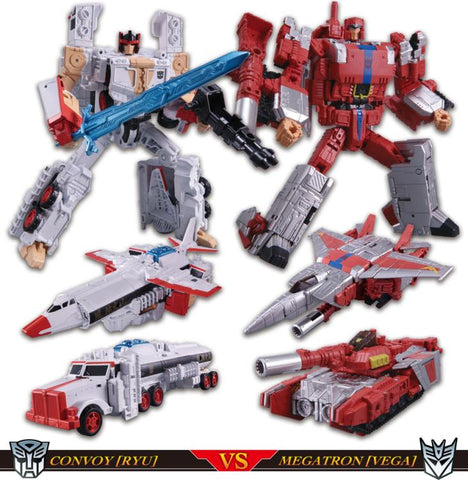TakaraTomy - Street Fighter II X Transformers - Ryu (Convoy) vs. M. Bison/Vega (Megatron) 2-Pack (TakaraTomy Mall Exclusive)