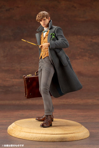 Kotobukiya - ARTFX+ - Fantastic Beasts: The Crimes of Grindelwald - Newt Scamander (1/10 Scale)