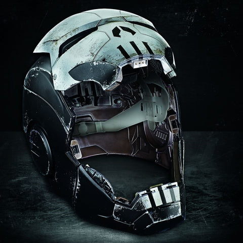 Hasbro - Marvel Legends - Marvel Future Fight - Wearable Punisher War Machine Electronic Helmet
