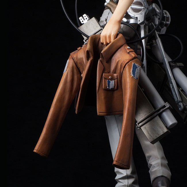 mensHdge technical statue No.31+ - Attack on Titan - Jean Kirstein (Attack Version)
