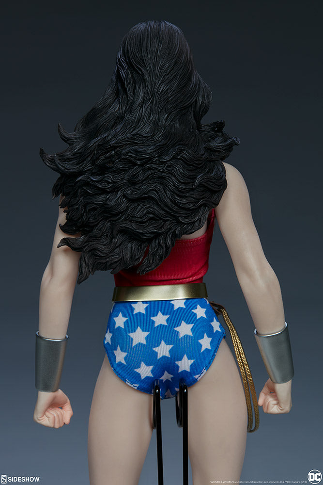 Sideshow Collectibles - Sixth Scale Figure - DC Comics - Wonder Woman