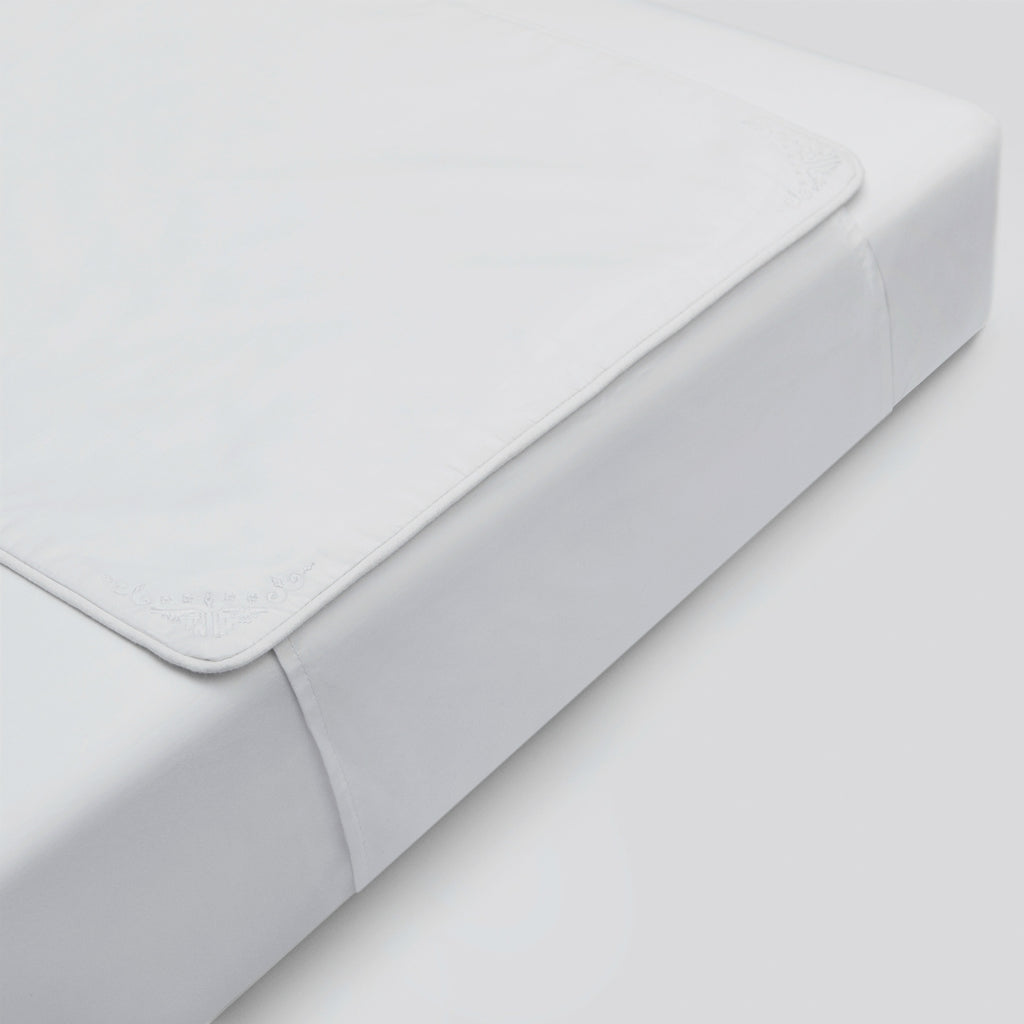 Petite Vignone - Nursery Collection Crib Sheet Protector - White