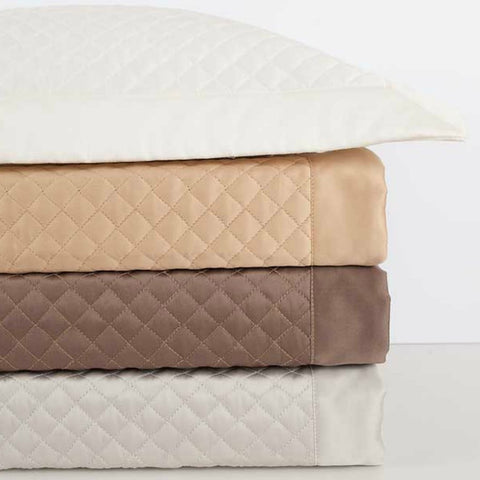 Diamond Sateen Quilt Stack