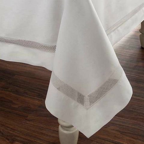 Tablecloths ~ Lynnens, Fine Linen Boutique
