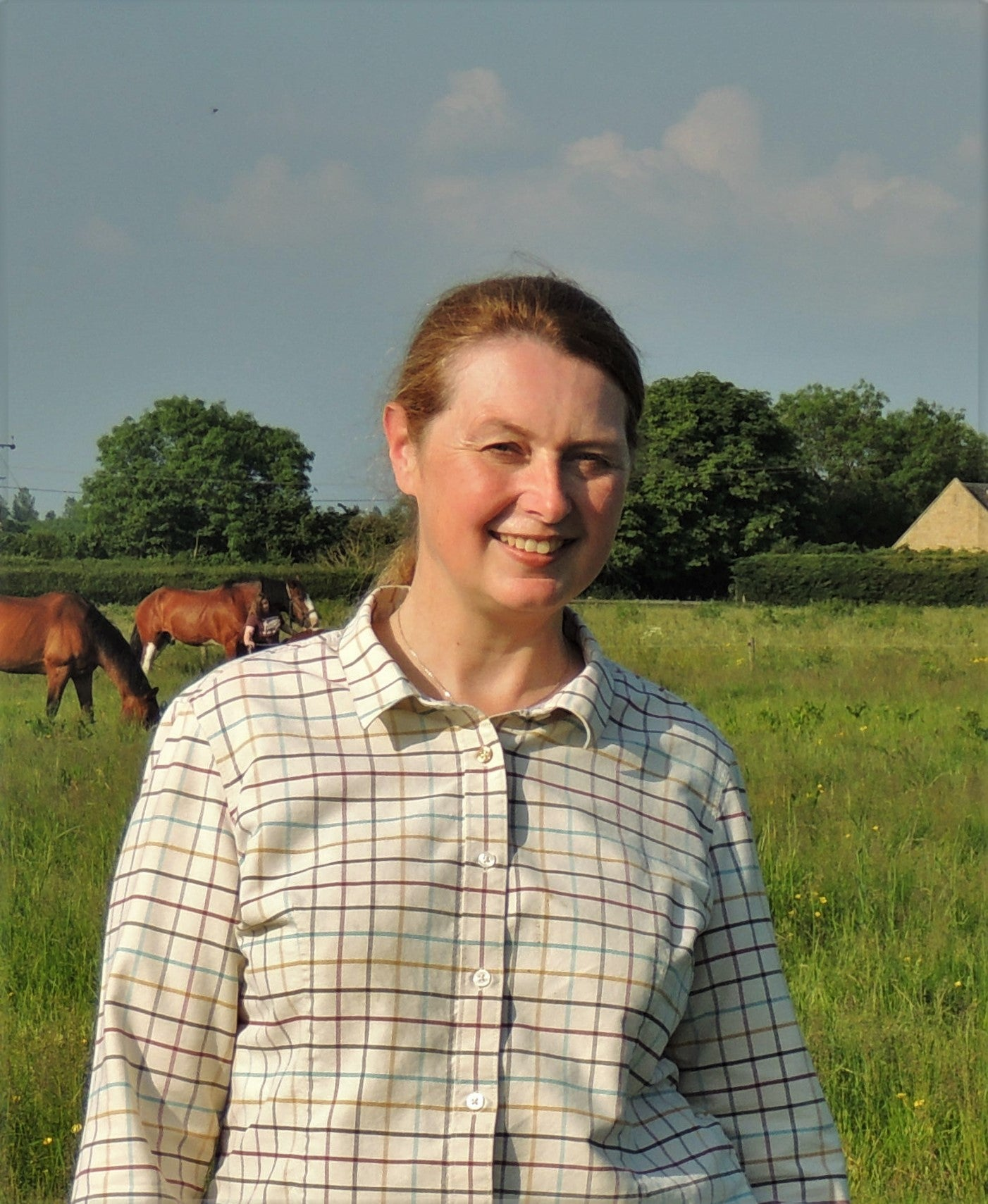 Equine Behaviour Affiliation Accredited Behaviourist and consultant Sharon Smith MSc BHSAPC