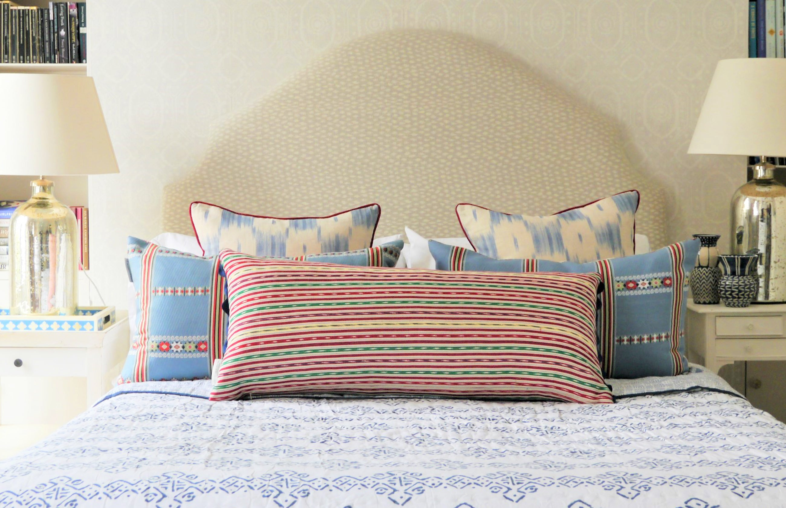 wicklewood guatemalan corte oversized oblong, lilly and ikat colebrook in blue and white