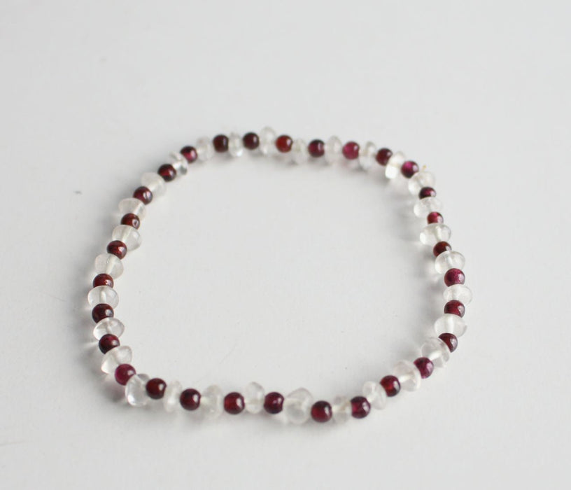 Tiny Garnet and Aquamarine Stone Bracelet - nepacrafts