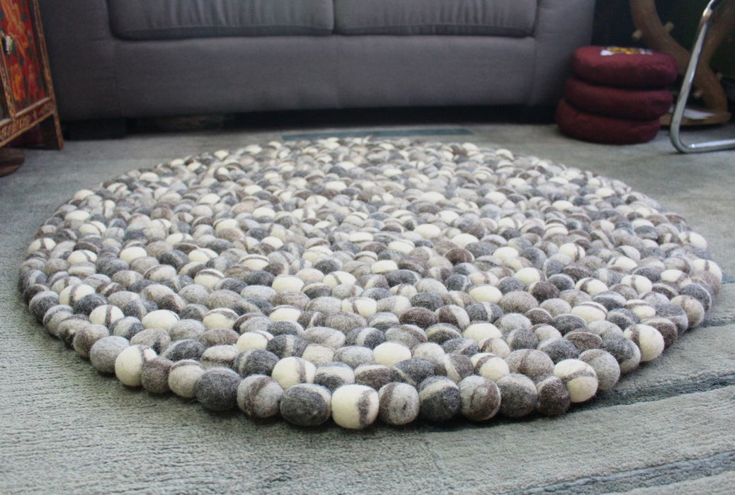 Natural River Pebbles Felt Rug, 100 cm Felt Wool Pebble Rug, 5cm Felt Balls - nepacrafts