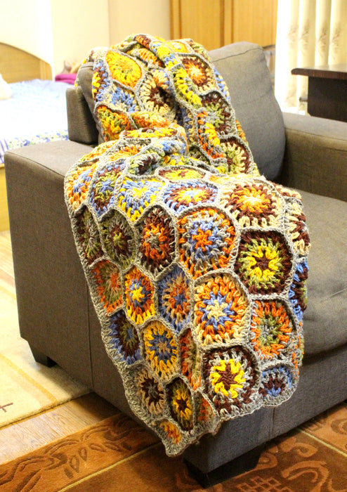 Bright and Soft Colorful Flower Pattern Hand Crochet Woolen Blanket/Throw