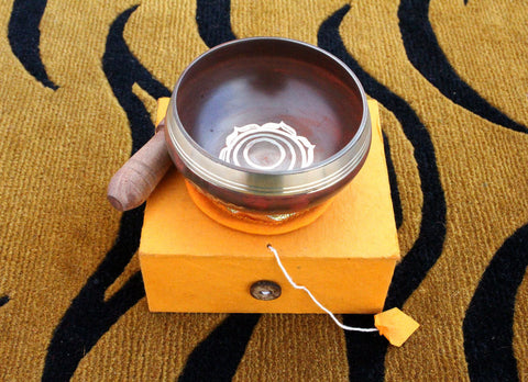 व-Sacral Chakra Sign Etched Singing Bowl Gift Box