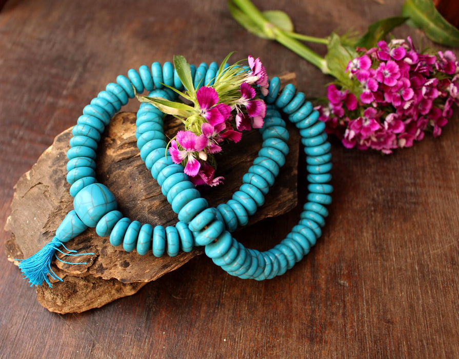 Disk Shaped Faux Turquoise Necklace - nepacrafts
