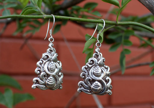 Silver Sterling Hand Carved Conch Earrings - nepacrafts