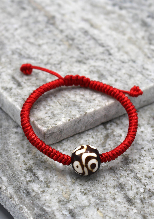 Lucky Knots Dzi Bead Bracelet in Red Color