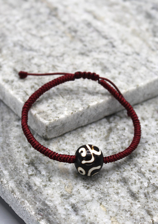 Lucky Knots Dzi Bead Bracelet in Maroon Color