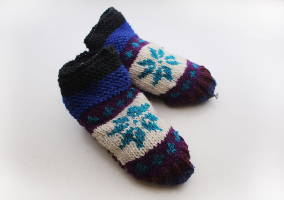 Elegant Blue and White Mixed Snow Flakes Pattern Woolen Indoor Lined Socks - nepacrafts