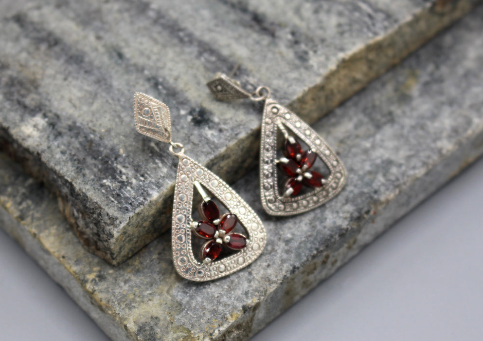 Fine Carving Garnet Inlaid Sterling Silver Dangle Earrings - nepacrafts