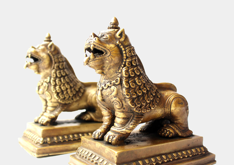 Antique Looking Pair of Lions statue, Symbols of Guardians and Protectors - nepacrafts