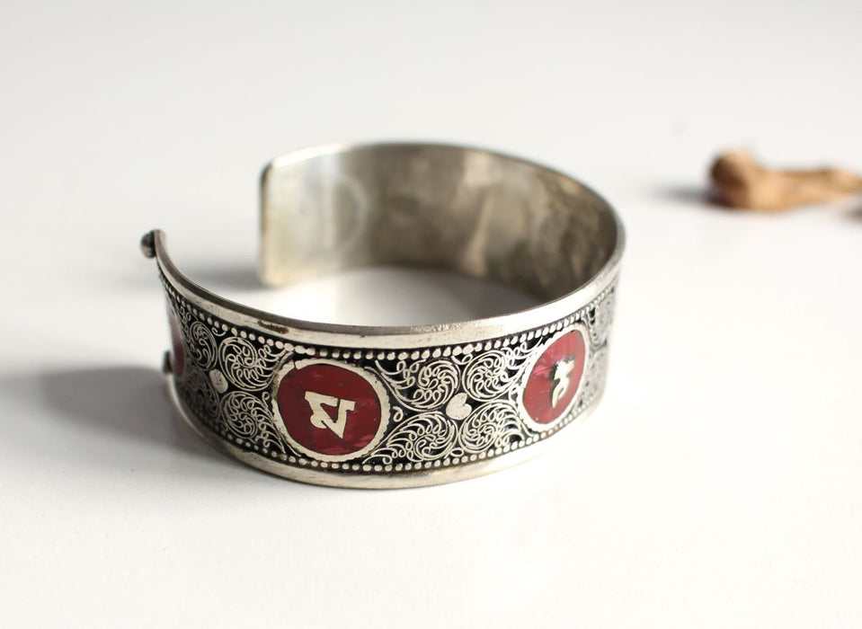 Om Mani Stone Inlay Dragon Filigree Unisex Bangle - nepacrafts