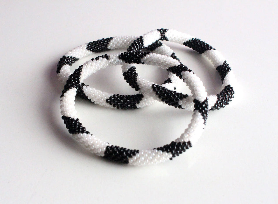 B&W Roll On Bracelet - NepaCrafts