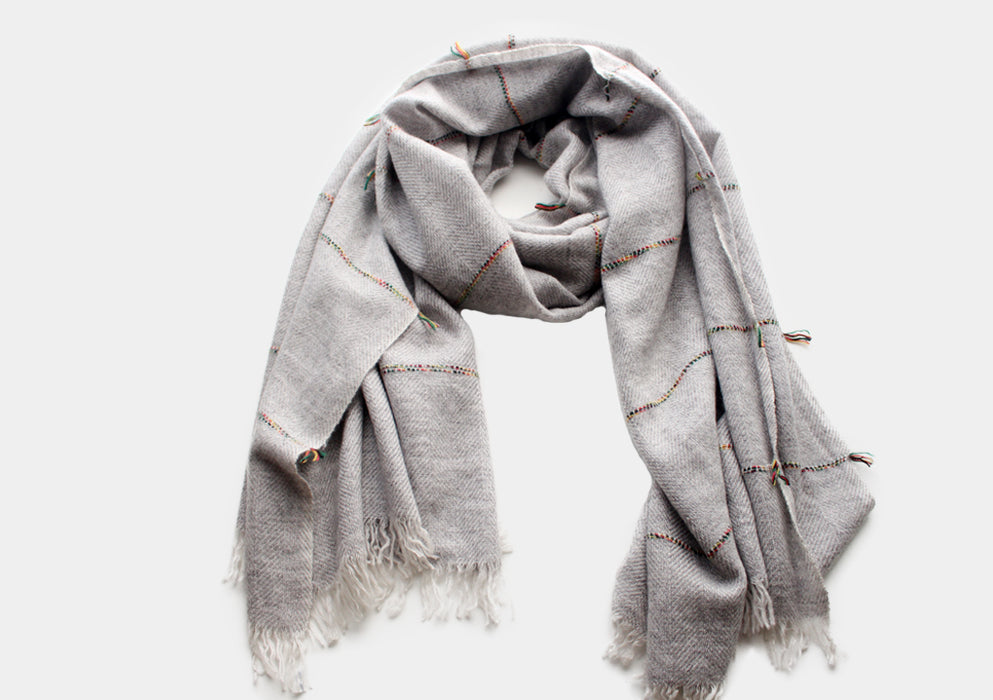 100% Plain Gray Cashmere Shawl with Multicolor Lining