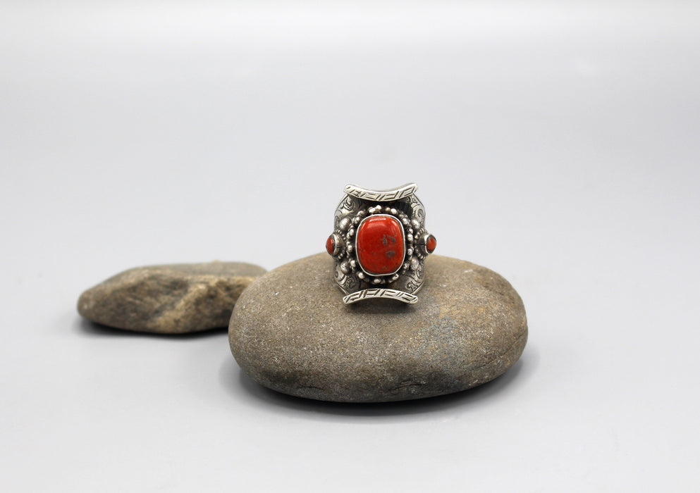 Antique Coral Inlaid Large Finger Ring - nepacrafts