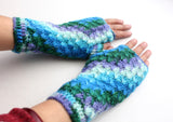 Multicolor Woolen Handwarmer, Handknit Soft Texting Gloves