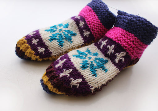 Pink and White Snow Flakes Pattern Multicolor Woolen Indoor Lined Socks - nepacrafts