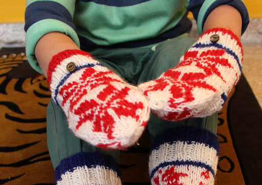 Red and White Snow Flakes Pattern Convertible Children Mittens/Texting gloves - nepacrafts