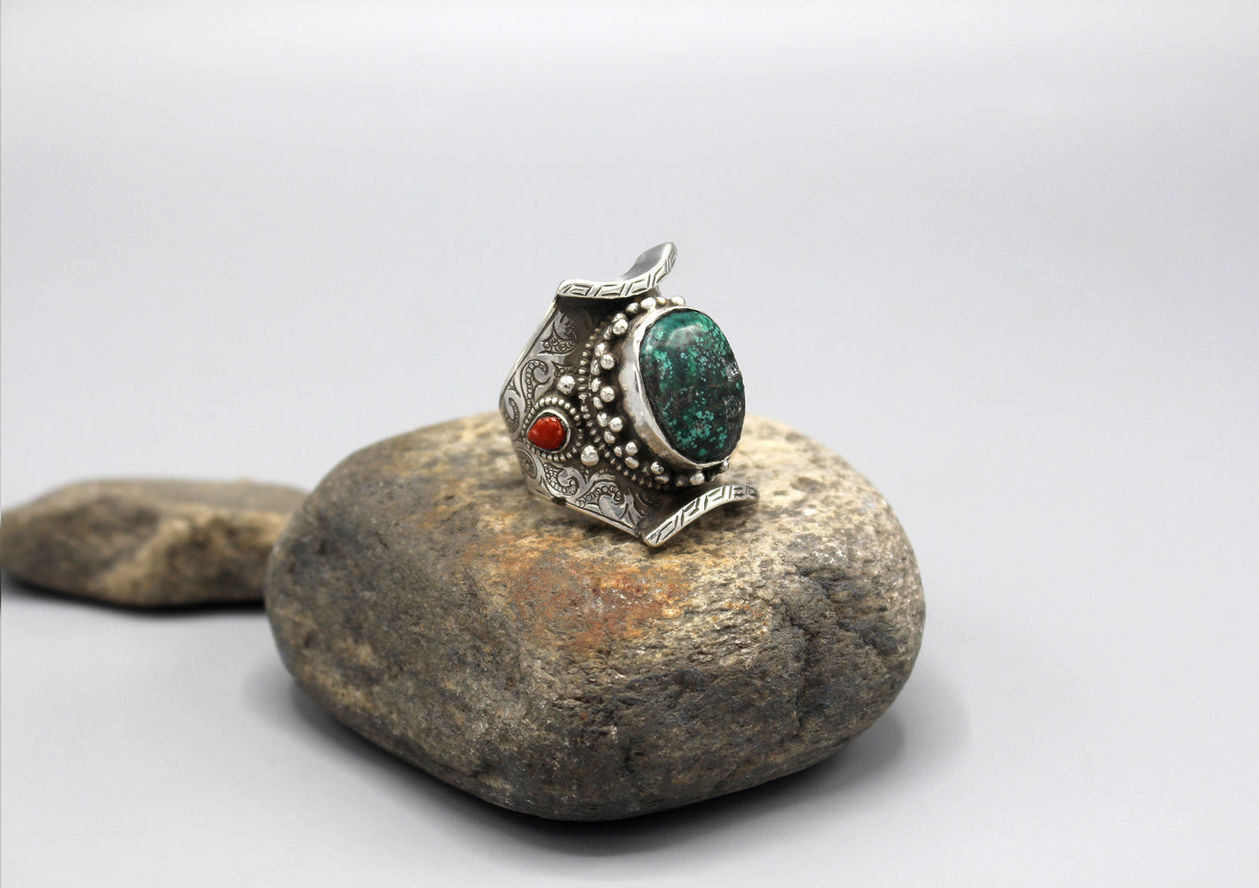 Turquoise Inlaid Sterling Silver Chunky Finger Ring - nepacrafts