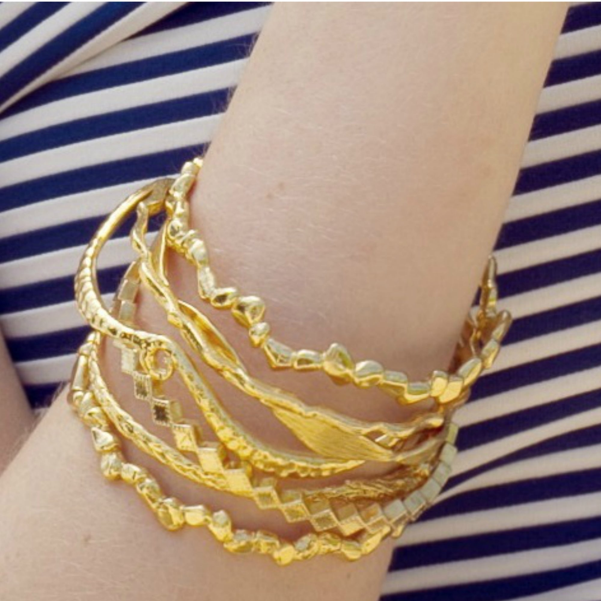 jewellery tagged bangles gold villa pattern bangle and rosie jewelry yellow zig collections kent silver zag