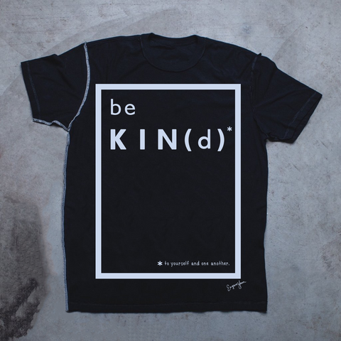 MENS <br> 'Be Kind' Graphic Box Inside-Out Tee