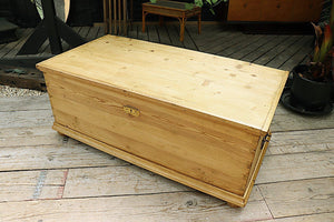 FANTASTIC OLD PINE EXTRA LARGE BLANKET BOX/ CHEST/ TRUNK - oldpineshop.co.uk
