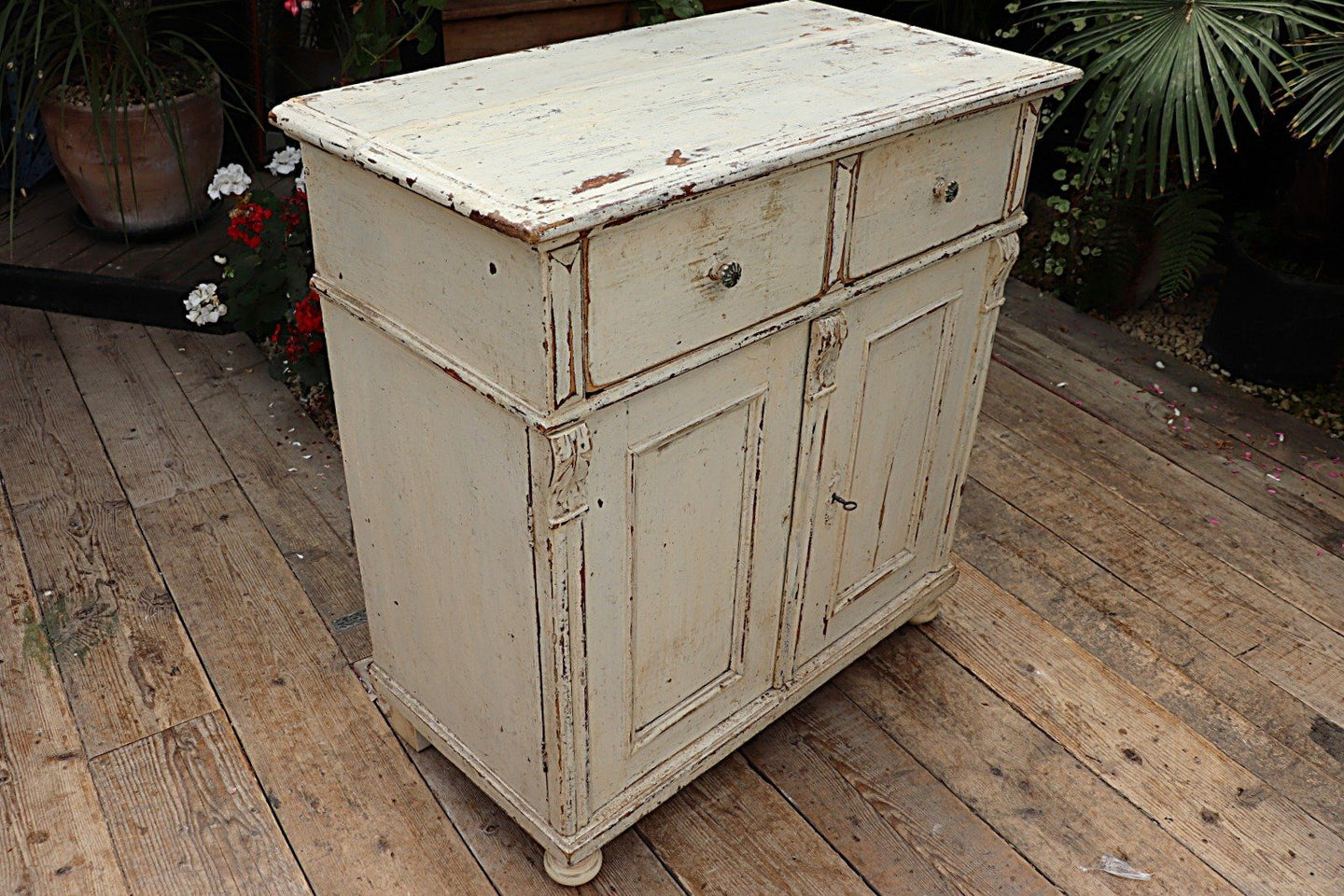 😍 OLD PINE/ WHITE PAINTED DRESSER BASE/ SIDEBOARD/ CUPBOARD - oldpineshop.co.uk