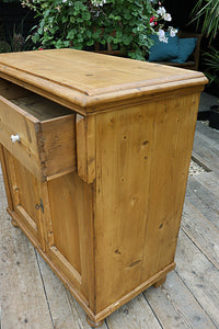 💕 LOVELY OLD PINE DRESSER BASE/ SIDEBOARD/ CUPBOARD 💕 - oldpineshop.co.uk