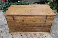 WOW! LARGE OLD ANTIQUE PINE BLANKET BOX/CHEST/TRUNK 😀 - oldpineshop.co.uk