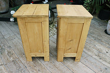 ❤️  GORGEOUS! QUALITY PAIR OF OLD PINE BEDSIDE CABINETS/ CUPBOARDS ❤️ - oldpineshop.co.uk