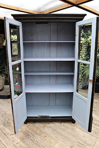 A FABULOUS OLD PINE/ BLACK PAINTED GLAZED CUPBOARD/ DISPLAY CABINET 💕 - oldpineshop.co.uk