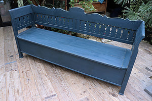 BIG, BEAUTIFUL OLD PINE & BLUE PAINTED HUNGARIAN/ STORAGE BENCH 💕 - oldpineshop.co.uk