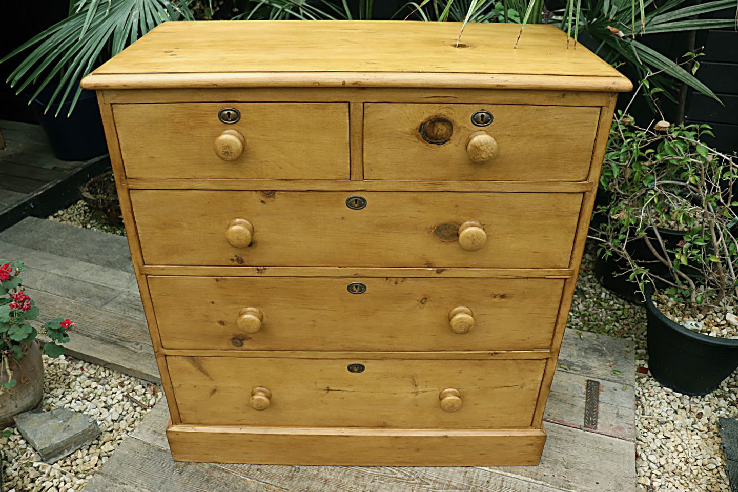 😍   BEAUTIFUL! LARGE OLD (VICTORIAN) PINE CHEST OF DRAWERS/ SIDEBOARD  😍 - oldpineshop.co.uk