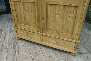 FABULOUS! LARGE OLD PINE DOUBLE 'KNOCK DOWN' WARDROBE 😍