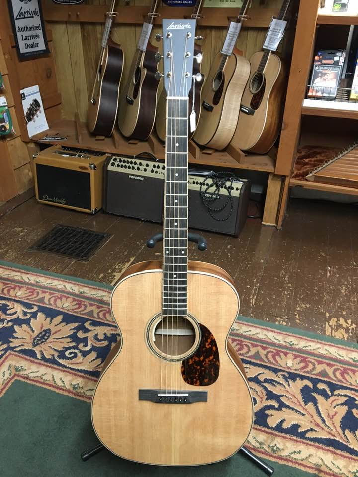 Larrivee OM-03E Acoustic-Electric Guitar with 40-Series Purfling & Headstock