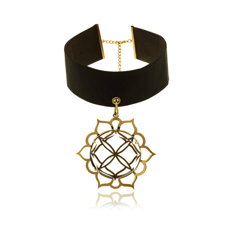 Les Racines  Gold Black Onyx Ceramic Necklace
