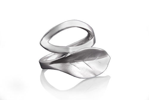 Essence Leaf Ring