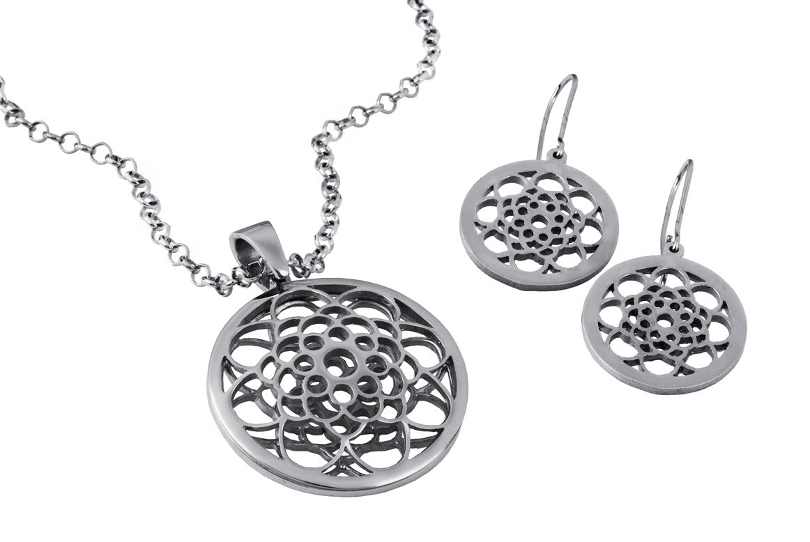 Sidereal Silver Flower Necklace - MCK Brands