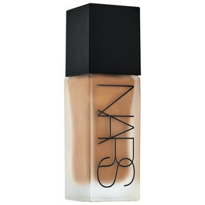 NARS All Day Luminous Weightless Foundation Shade MD4