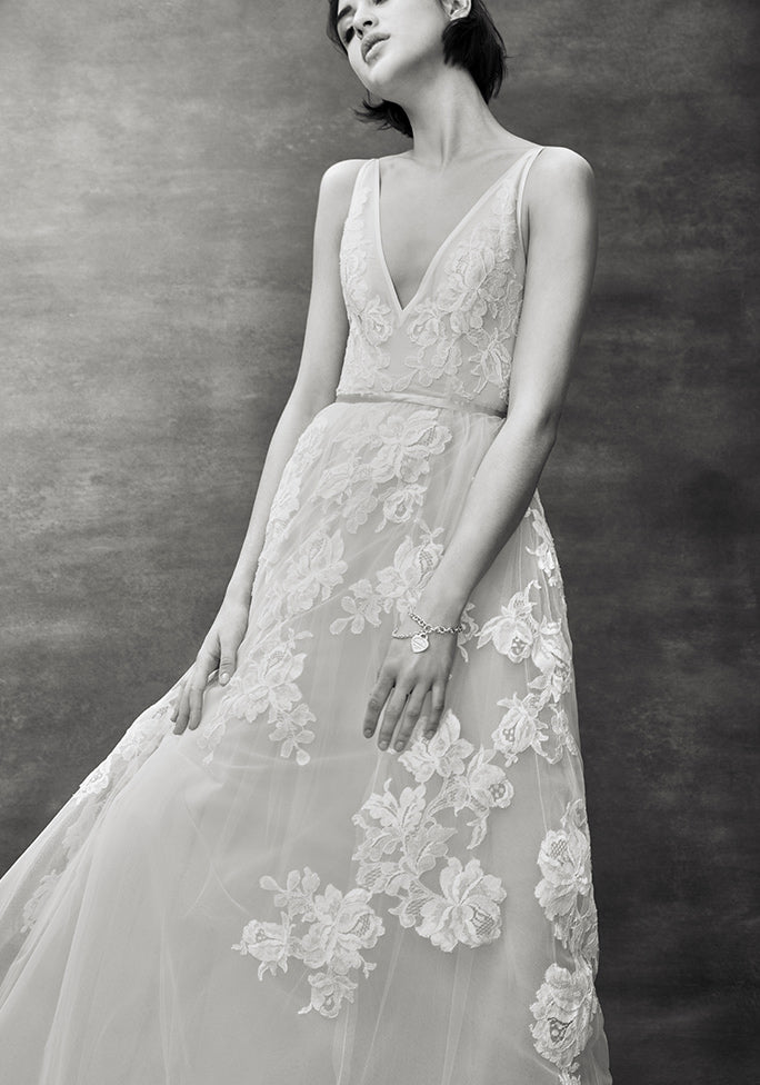 Floravere | Luxury wedding dresses you can try on at home