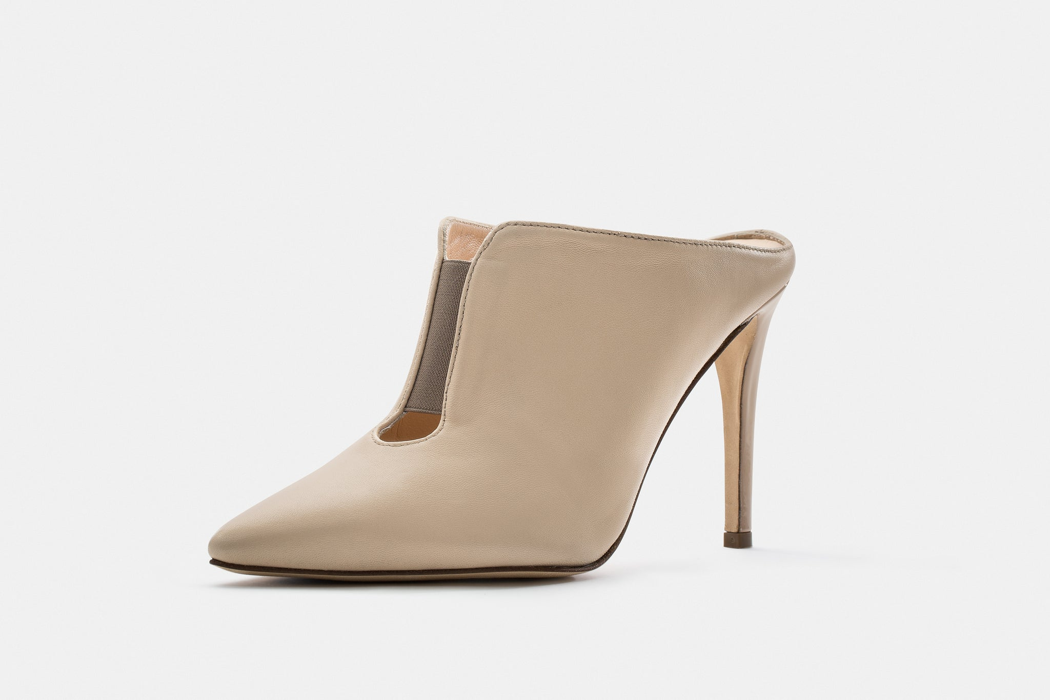 LIGHT BEIGE NAPPA + PATENT LEATHER TANIA MULE
