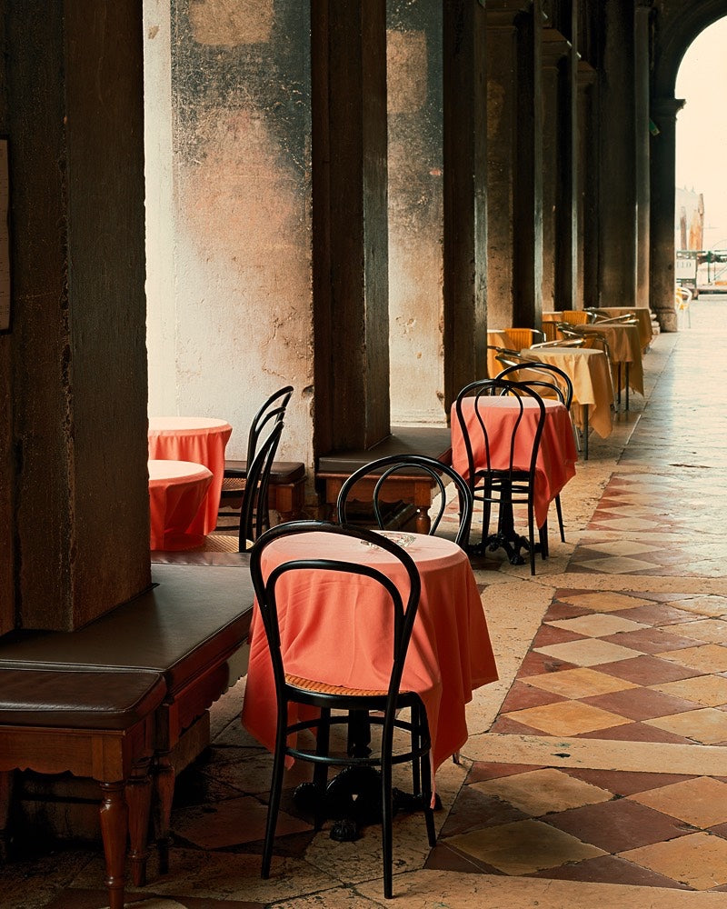 Photograph of a cafe in Italy