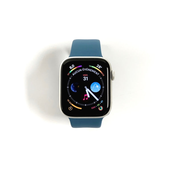 Open Box - Apple Watch Series 5 • GPS / Silver Aluminum / 44mm