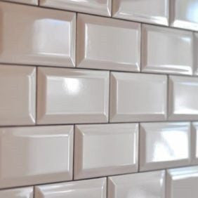 75 x 150 mm White Subway Bevel Feature Tiles